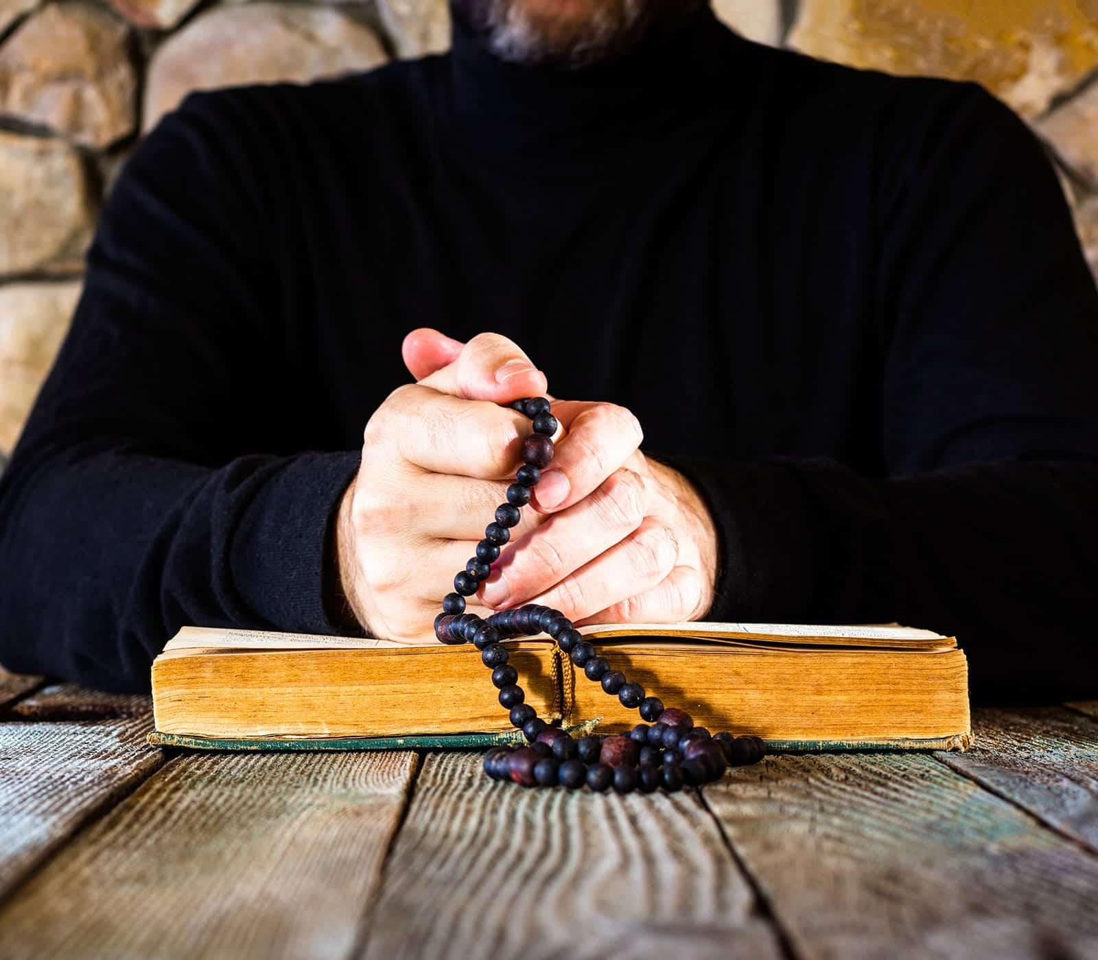 Carta El Sacerdote